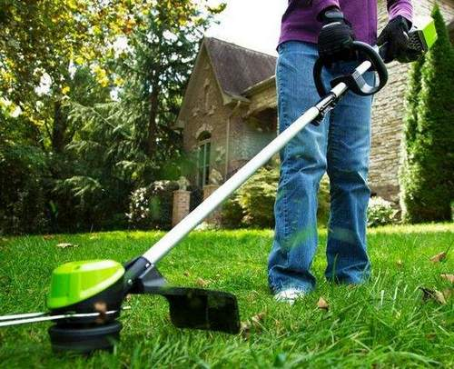 How to Change a Cord On a Stihl 55 Trimmer