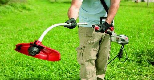 How to Charge a String on a Stihl Trimmer