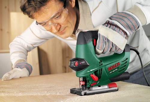 How to Cut a Chipboard with an Electric Jigsaw