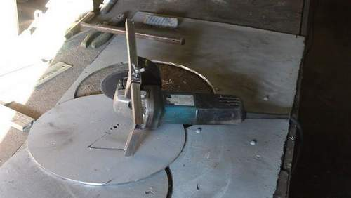 How to Cut a Circle in a Metal Angle Grinder