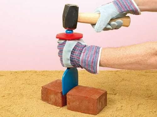 How to Cut Brick for Masonry