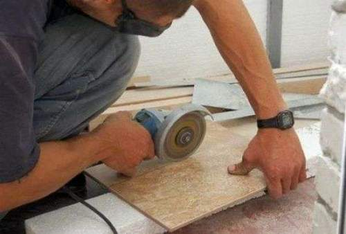 How to Cut Cut Porcelain Tiles Without Chips