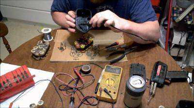 How to Disassemble a Bosch Screwdriver Battery