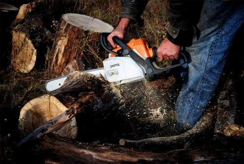 How to Make a Motorbike From a Chainsaw