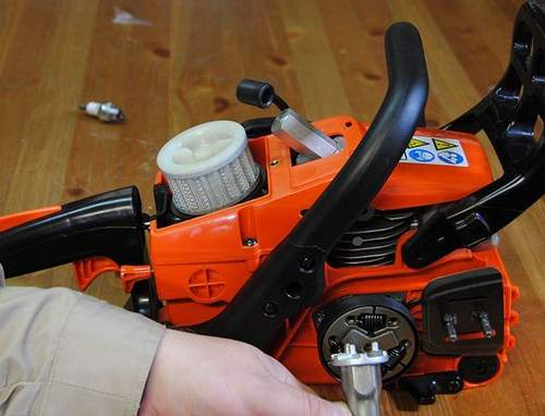 How to Remove Stihl 250 Clutch