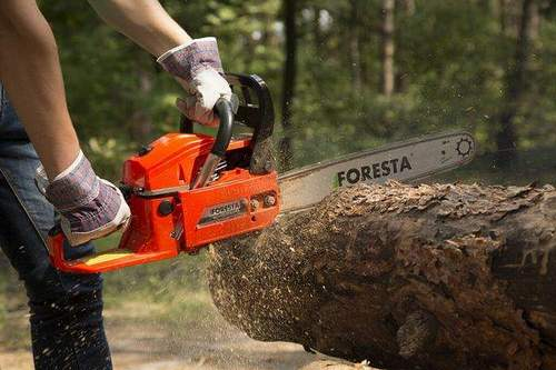 How to Run a New Chainsaw Properly