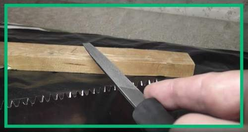 How to Sharpen a Saw on a Tree