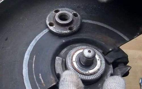 How to Unscrew the Angle Grinder Nut Bitten Disc