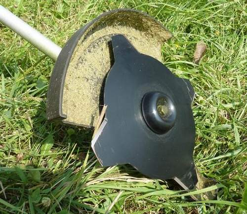 Rules for Replacing Knives on a Grass Trimmer