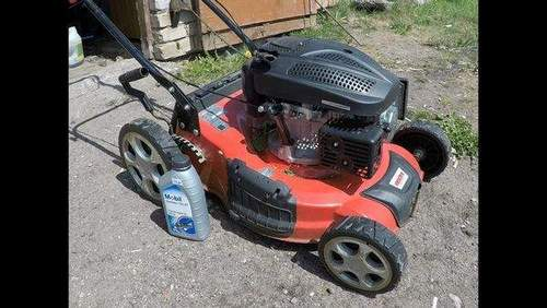 What Oil Is Poured Into The Patriot Lawn Mower Engine