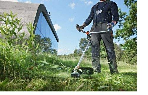 Which Oil Is Best To Pour Into A Stihl Trimmer