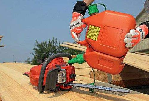 what gasoline is needed for a chainsaw