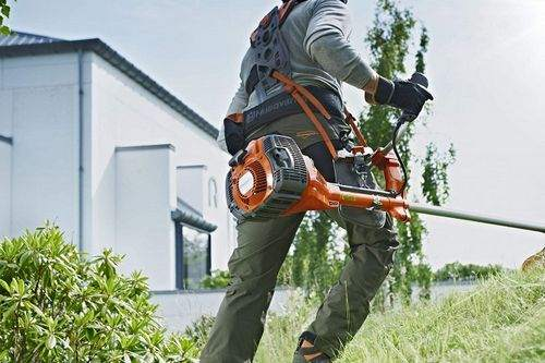the difference between lawn mowers and trimmer