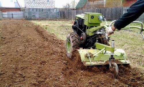 installation of the plow on the tiller neva