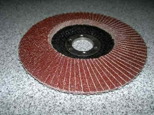 Disc On Angle Grinder To Remove Rust