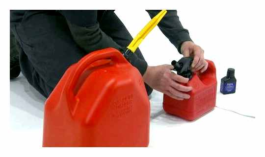 Dilute Trimmer Gasoline In Proportion To 1 Liter