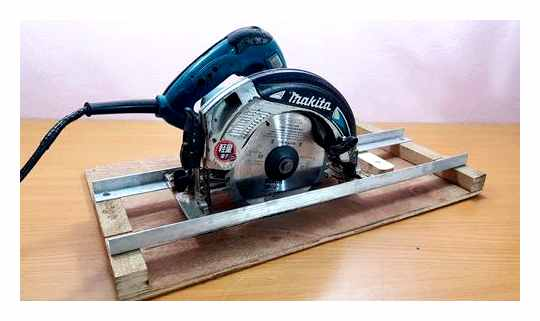 How To Make A Circular Saw From A Circular Saw